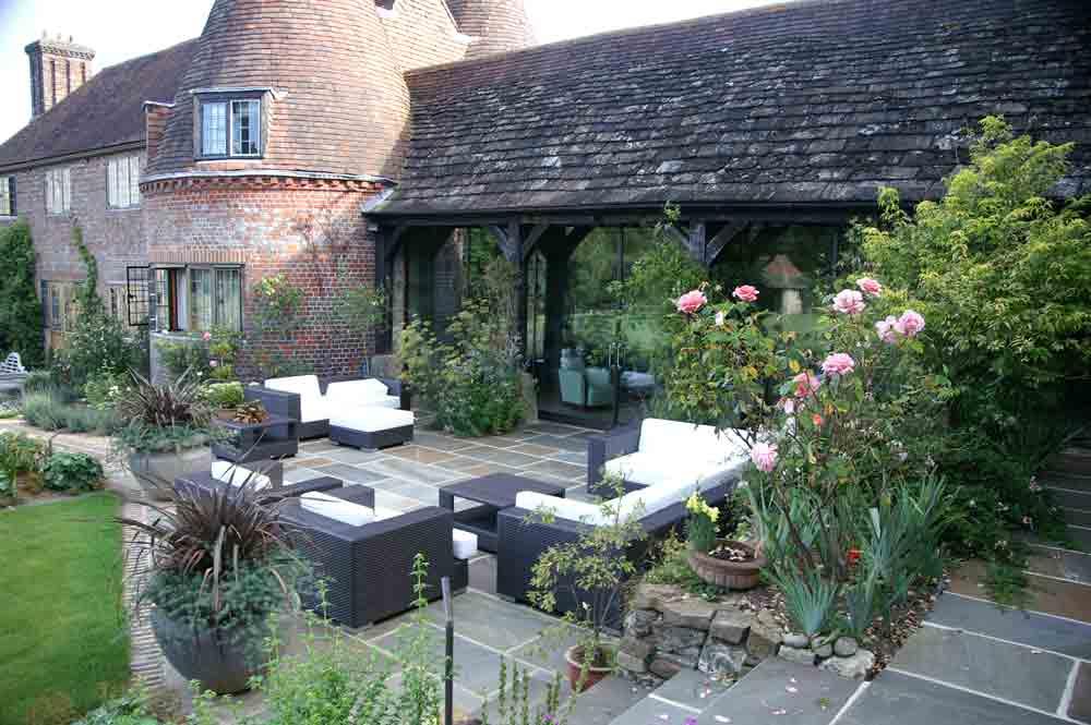 East sussex landscaping projects esse landscapes for Garden loggia designs