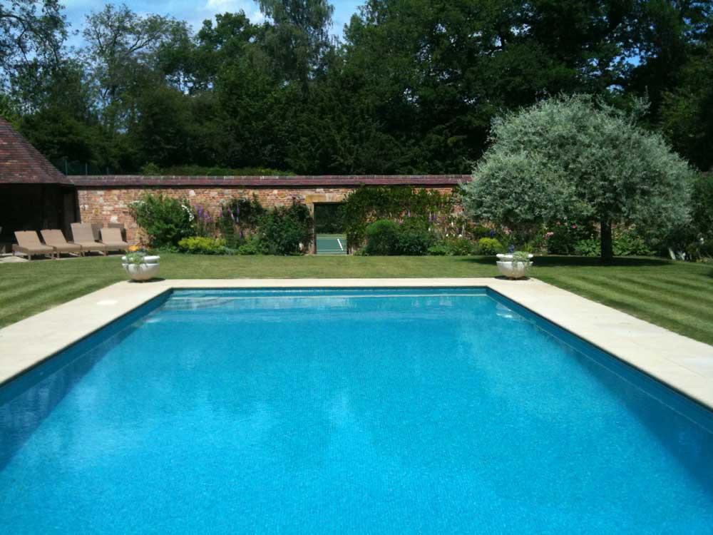 Swimming pools spas esse landscapes for Garden pools uk