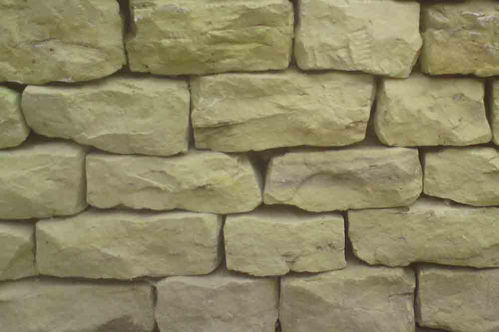 Dry laid wall