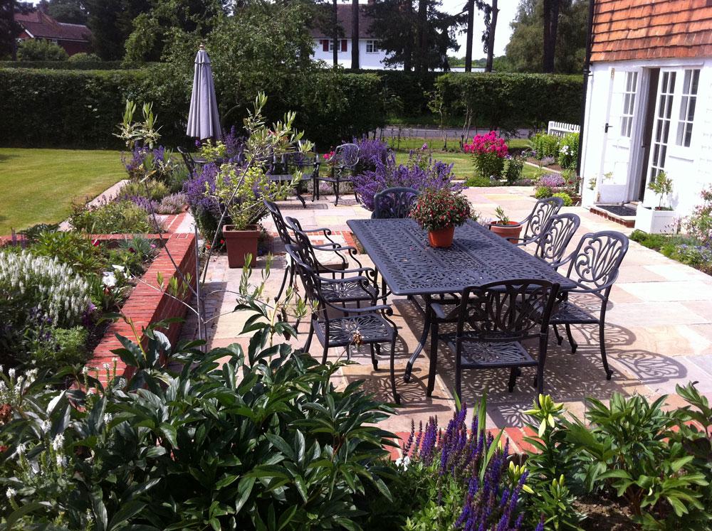 Cottage garden terrace